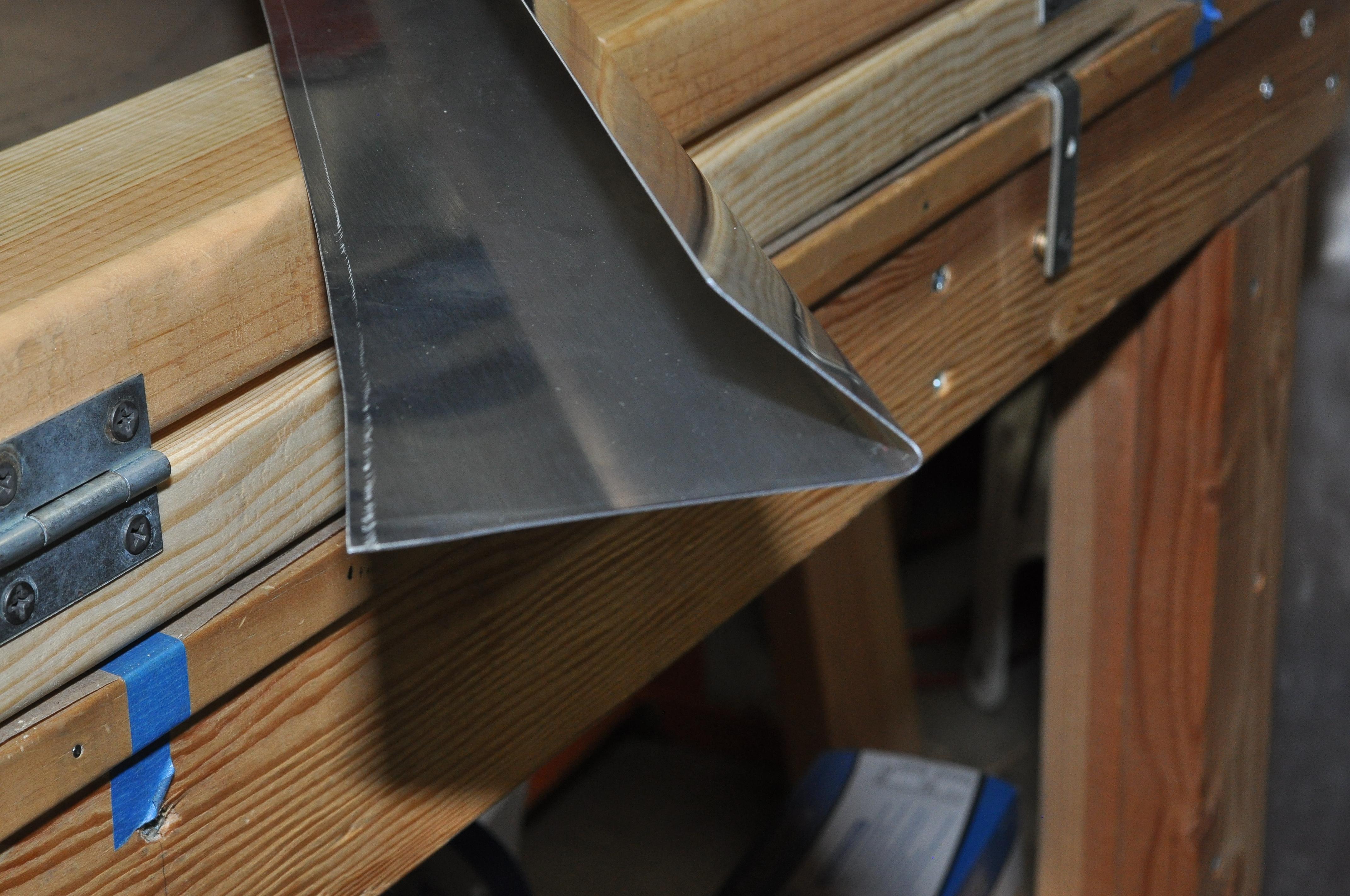 Sheet Metal Bending Brake For Dorsal And Ventral Fins