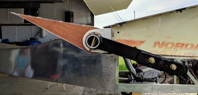 Bede BD-4C aileron up, counterweight down